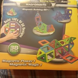 MAGFORMERS:38 PC MAGNETIC BUILDING SET 3-D DESIGNS